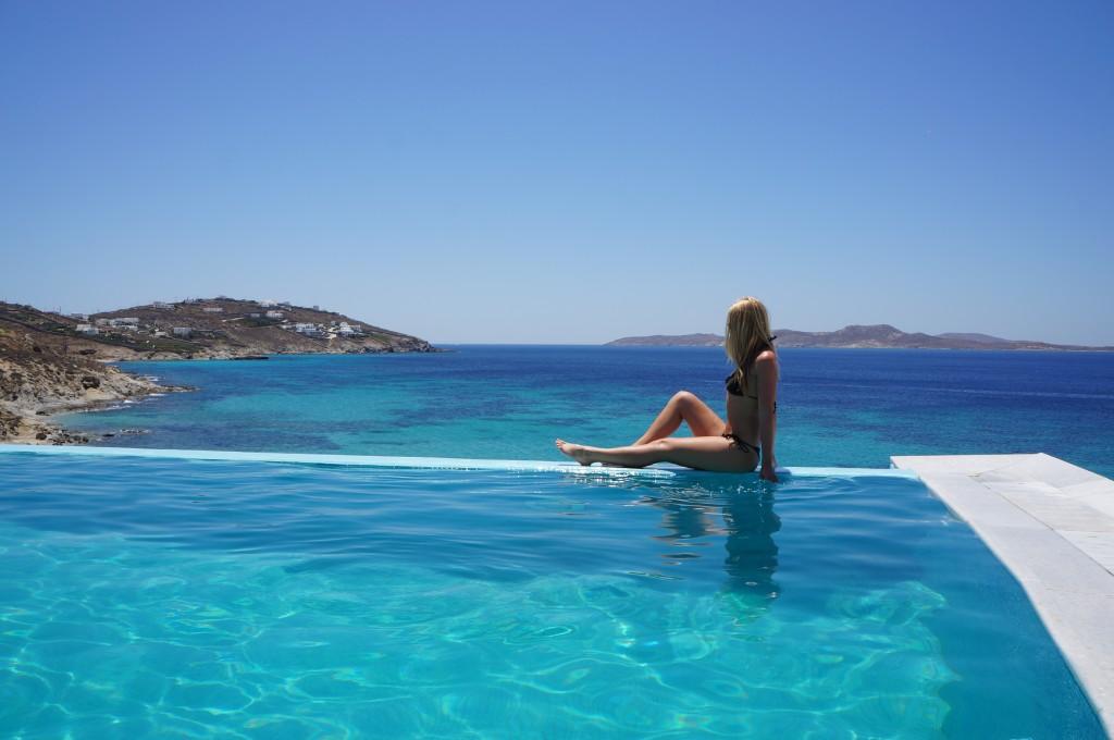Saint John Hotel Mykonos water