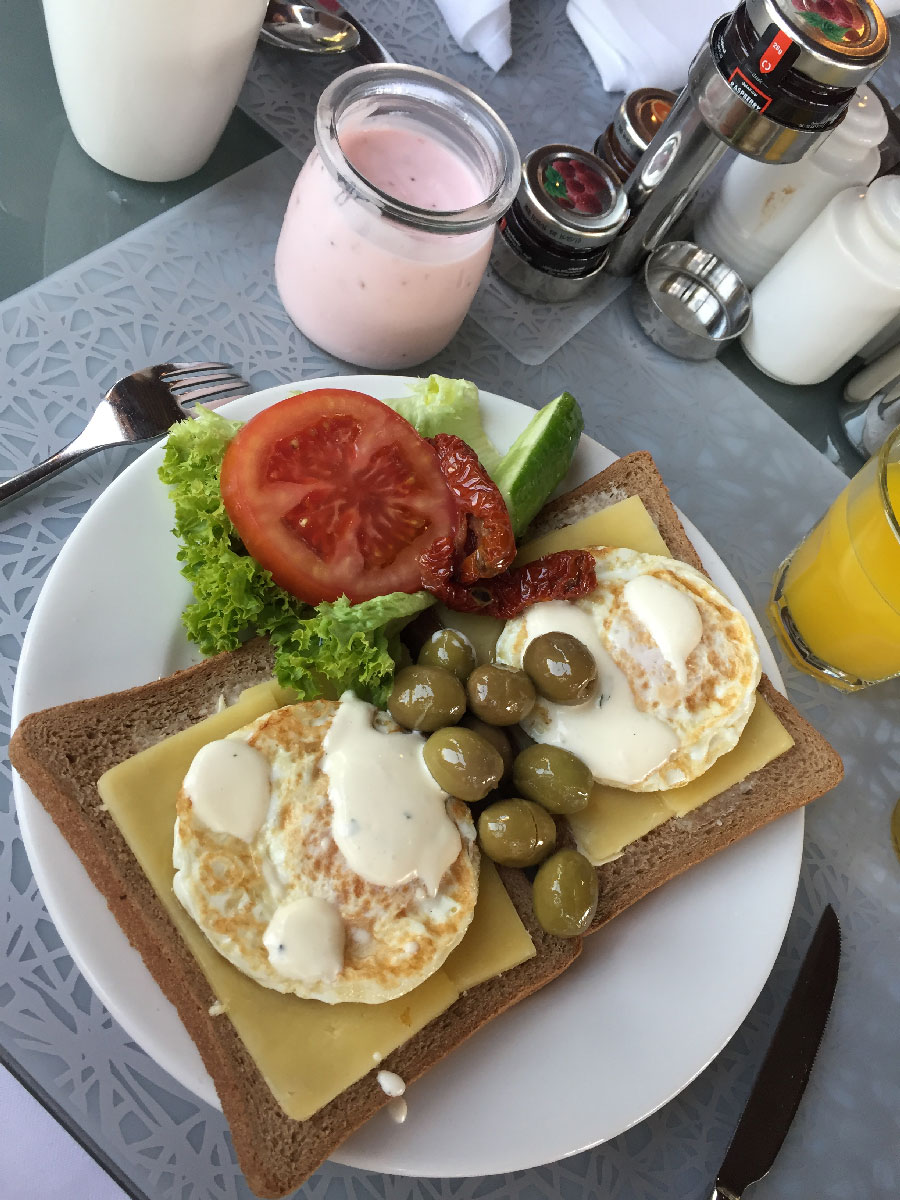 breakfast-rixos-dubai